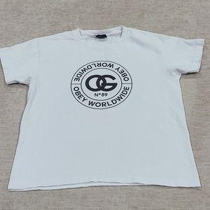 Obey- t shirt